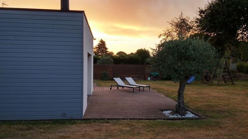 Maison moderne entre terre, mer et rivière - Saint-Julien - House