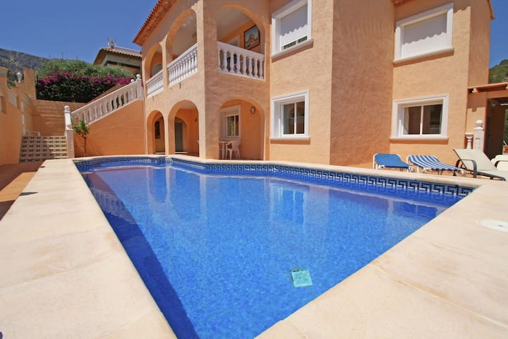 Villa in a nice location with pool in Calpe great for families and friends