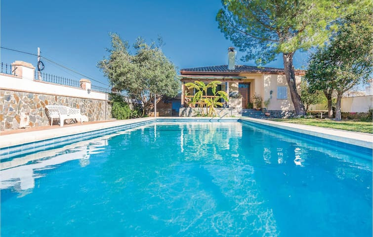 Holiday cottage with 4 bedrooms on 69m² in Arcos de la Frontera