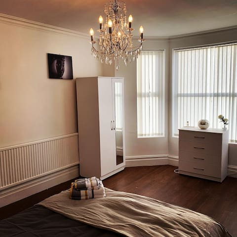 Beautiful Room Best available in stunning property