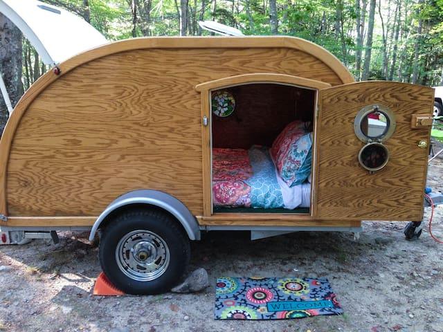 Cozy, Cruising Camper || Portland, ME Area - Windham