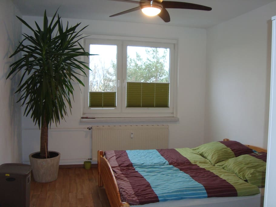 g nstige ferienwohnung in leipzig neu renoviert wohnungen zur miete in leipzig sachsen. Black Bedroom Furniture Sets. Home Design Ideas