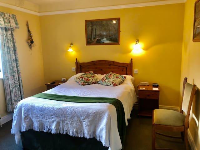 Buttermilk Lodge Standard Single Room