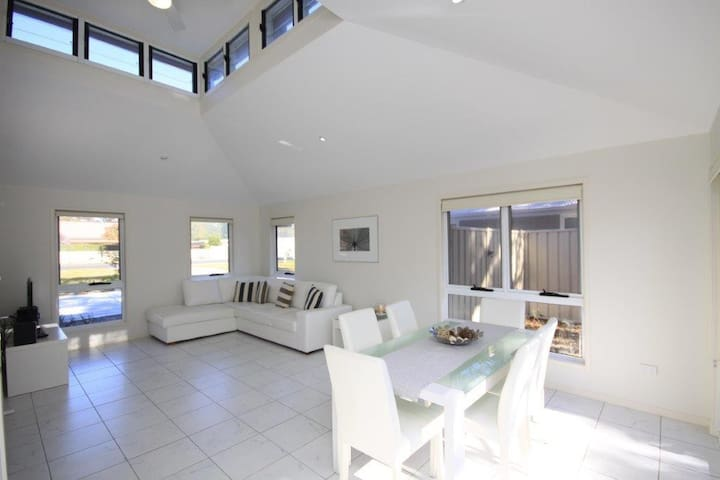 751 - Annvilla - Two bedroom townhouse in Huskisson