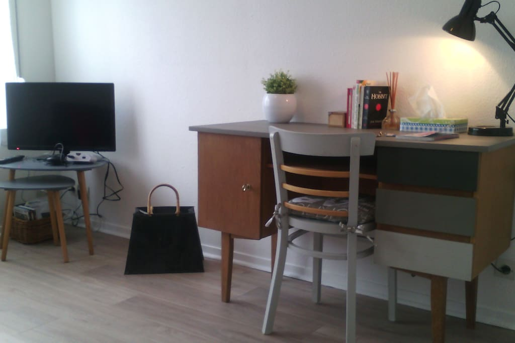 Le r tro studio meubl centre ville appartements - Location studio meuble montpellier centre ville ...