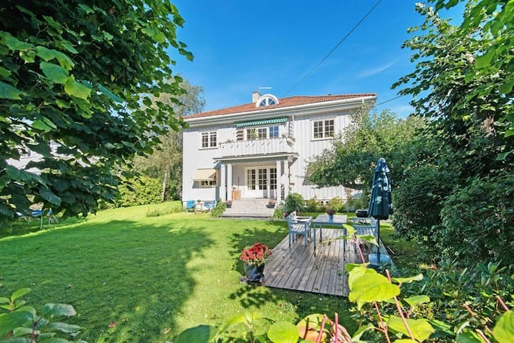 Beautiful house with garden in central Oslo