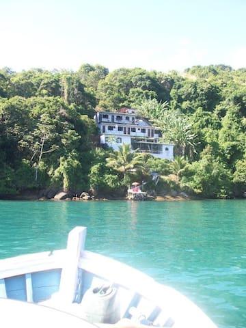 Pousada Toca do Mar (room 9) - Ilha Grande - Bed & Breakfast