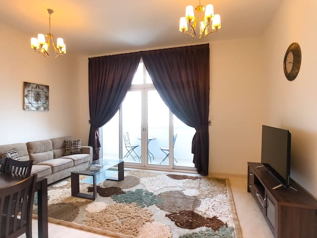 10mins away from Metro 2BD apartment