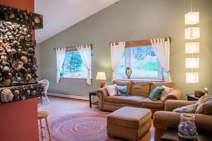 End of the Road Inn: Three Bedroom Home in Town!