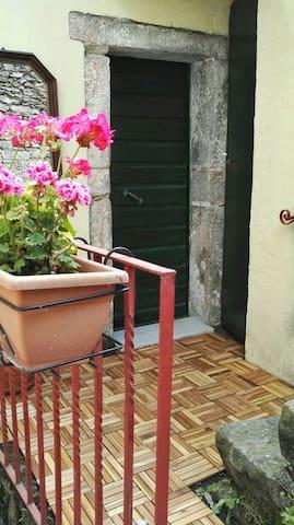 Casa Nel Borgo - Biassa - Casa