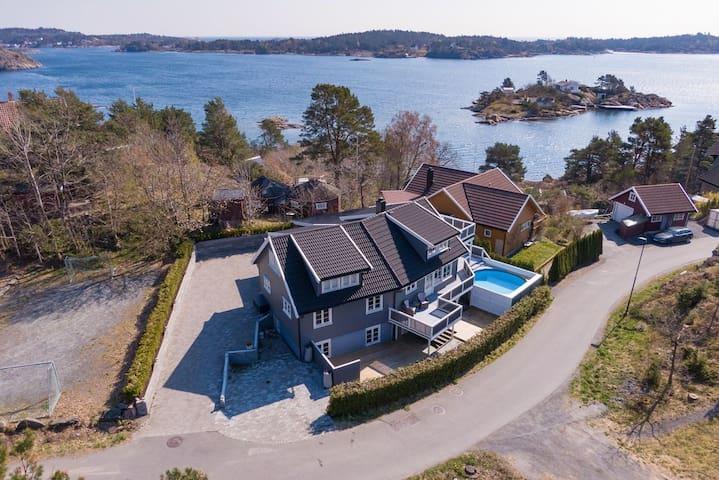 Stort flott hus med perfekt beliggenhet nær strand