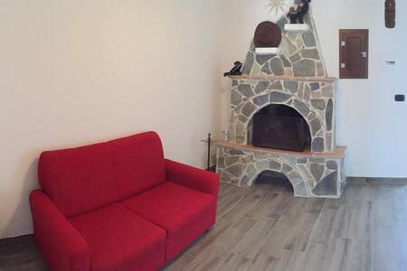Casa 2 piani Gissi (CH) 6 posti + 1 (divano letto)