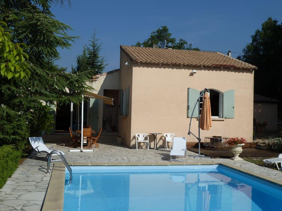 Villa avec piscine sud luberon maisons louer pertuis - Location cote d azur avec piscine ...
