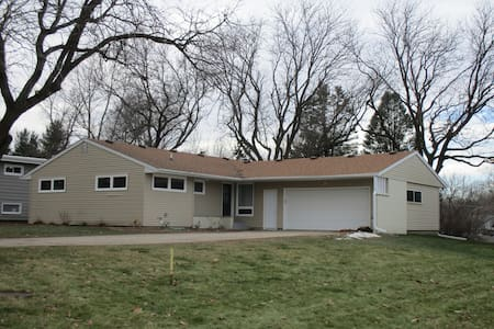 Newly remodeled home/ Grinnell, IA - Grinnell - 단독주택