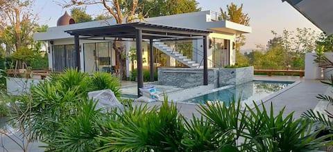 Baan Punnaluxe : pool villa with rooftop khaoyai