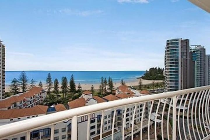 Beachcomber Resort QLD Gold Coast