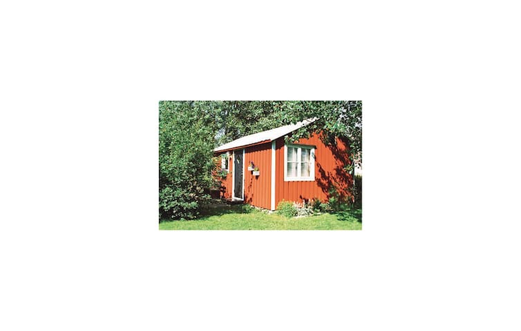 Holiday cottage with 1 bedroom on 24 m² in Visby