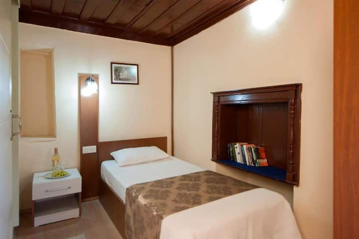 Konak Hotel Kaleici Single Private Rooms