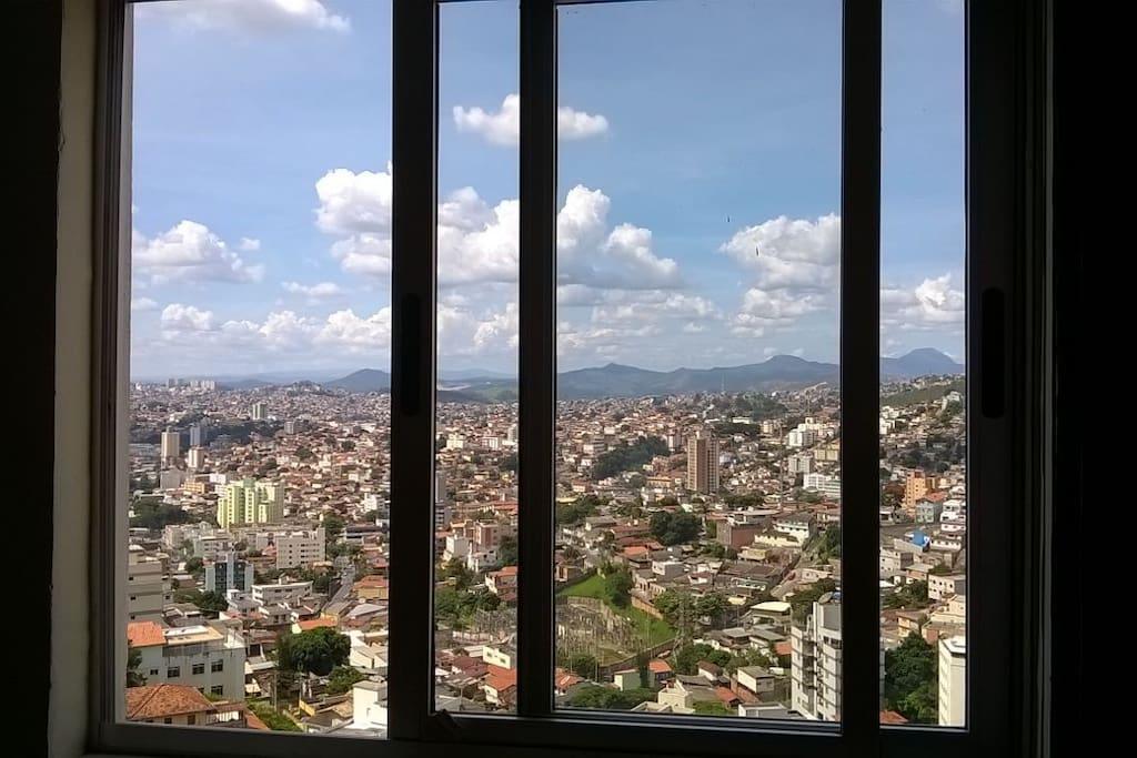 Vista da janela do quarto, linda.