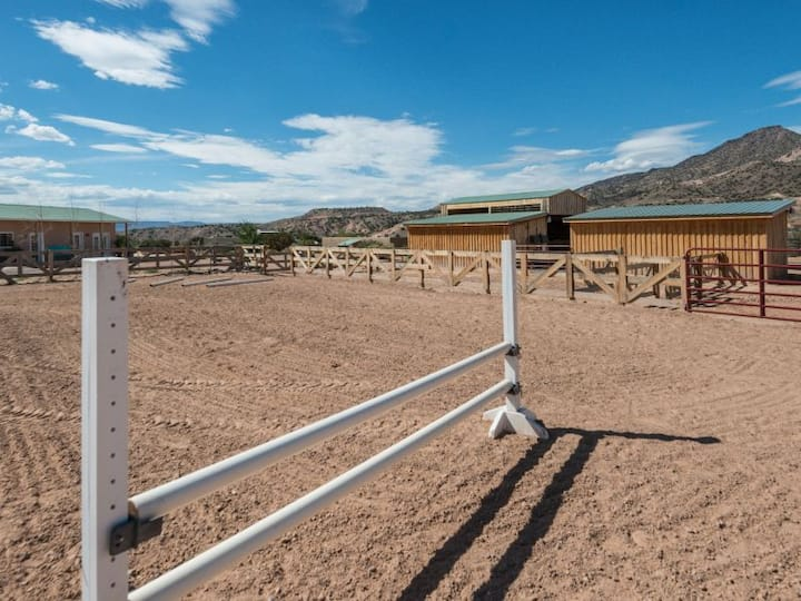 Bed & Barn | Guest House and Horse Facilities