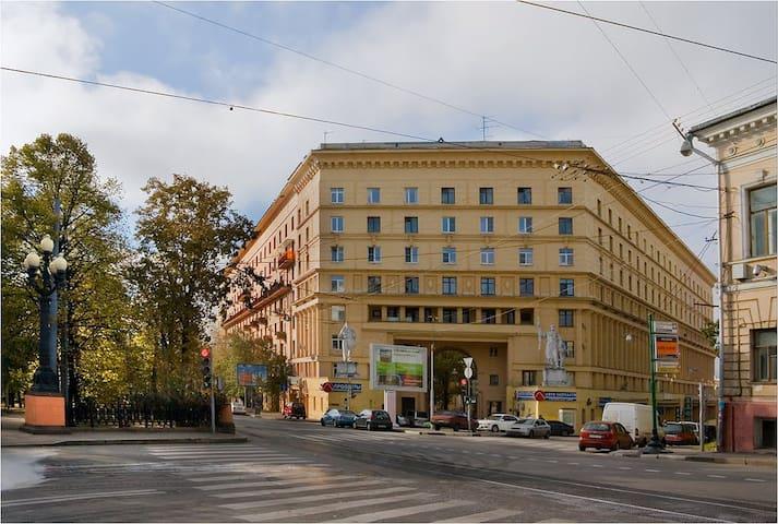 Уютная комната в центре Москвы рядом с Кремлем