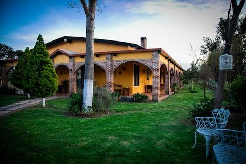 Hacienda Cariño de la Montaña.  3000 m2 exclusivos