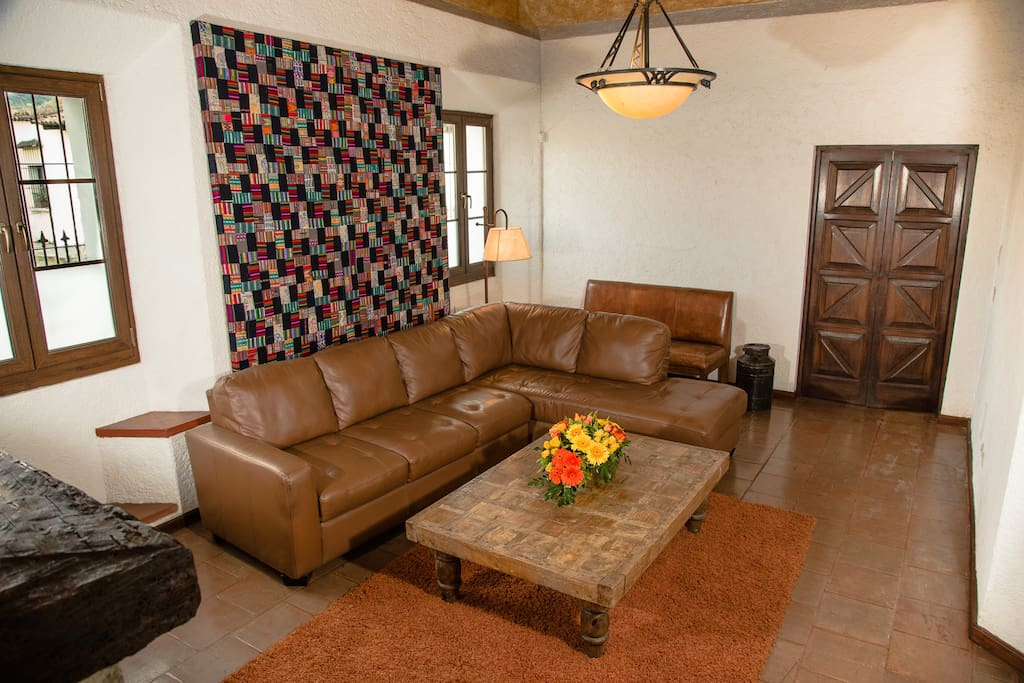 Sala Familiar / Living Room