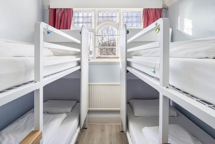 Bed in 6-Bed Mixed Dorm Basic Ensuite