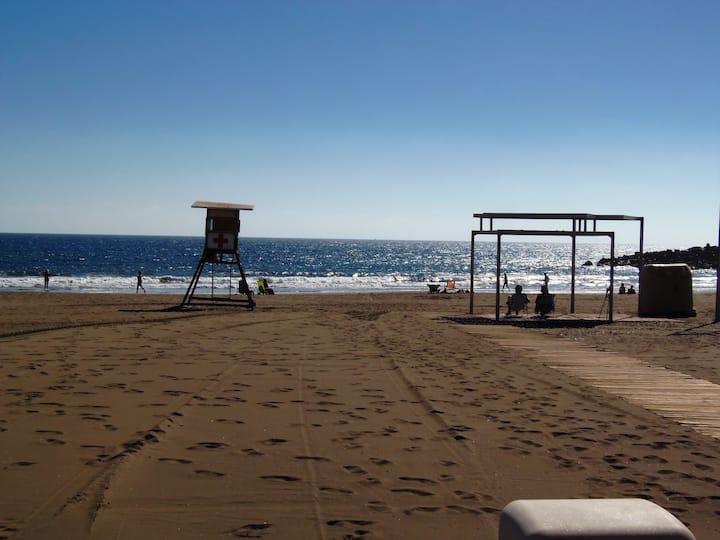 Apartamento en Playa de Las Burras, vistas al mar