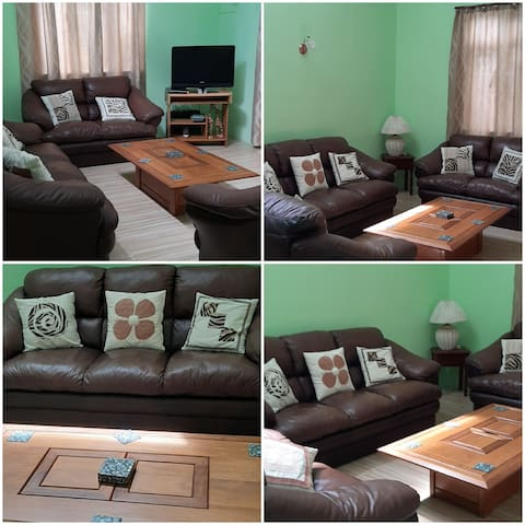Appartment Accacias Avenue with wifi, encl garden.