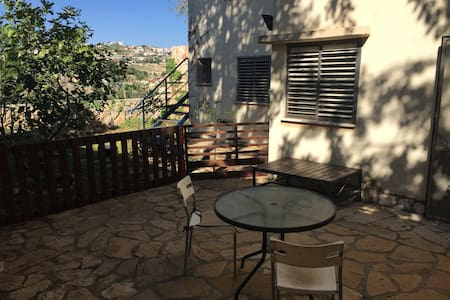 Cozy family suite in the west Galilee - Kfar Vradim - ห้องชุด