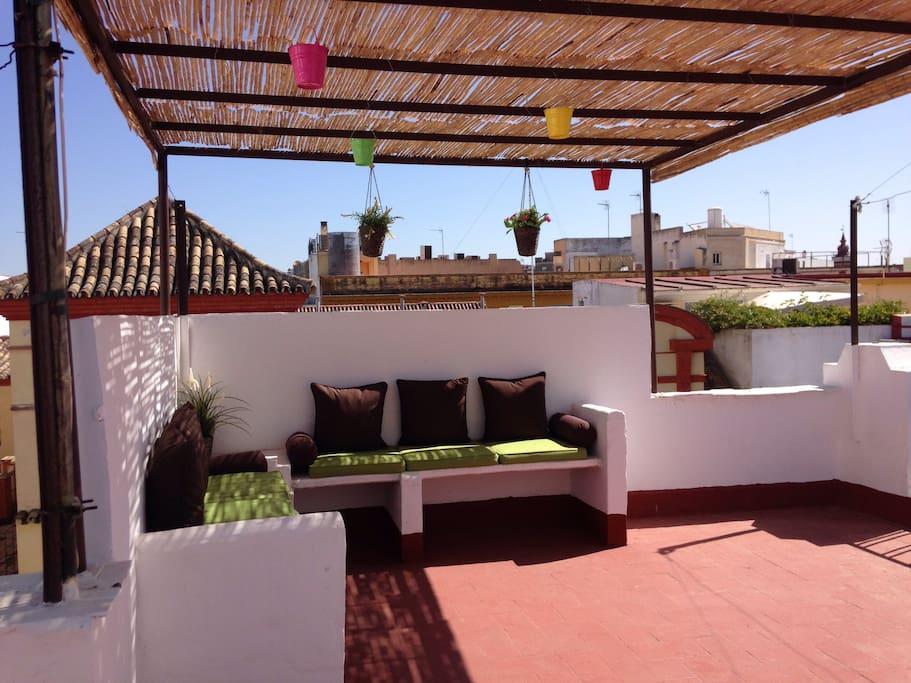 Preciosa terraza con vistas para compartir hermosos atardeceres
