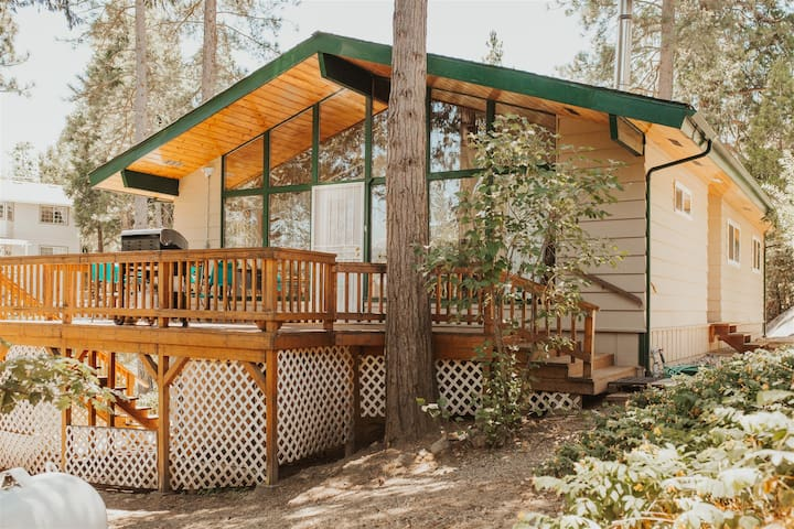 Bass Lake`s Balsam Bungalow! New Listing!