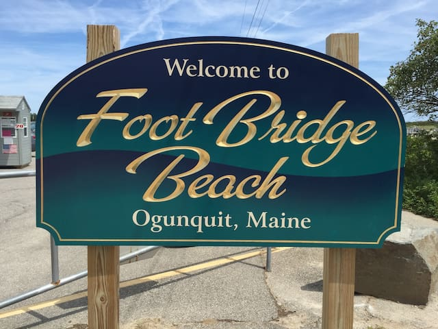 Footbridge beach is a short 5-minute drive away, with on-site parking available