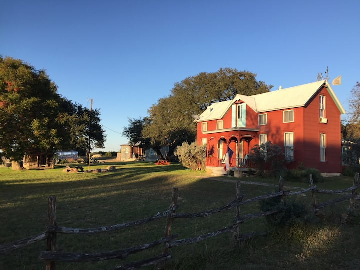 Hill Country Ranch with Pool, Wineries & Hiking