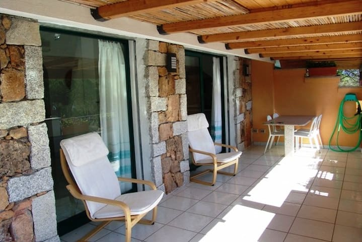 CASA CANOA 4,elegant apartment in villa, 4 people - Cala Liberotto - อพาร์ทเมนท์