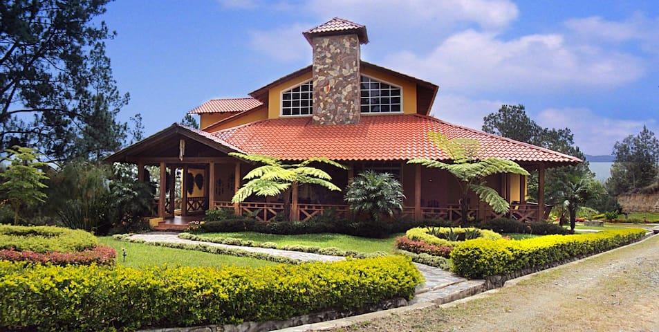 Villa en Constanza, Arroyo Frio - Arroyo Frío