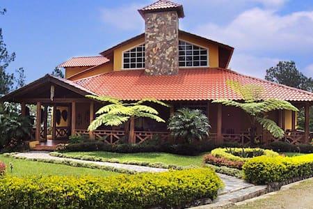 Villa en Arroyo Frio - Arroyo Frío