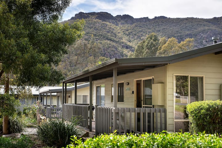 Awonga Cottages, Banksia