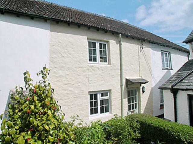 Court Cottage (24879)