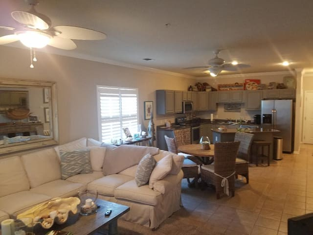 Nice and Cozy Orange Beach Condo