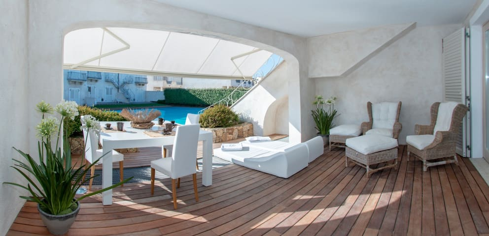 Seaside House new with swimming pool