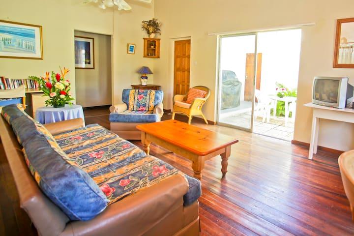 Mystic Rose House - Paynes Bay, Barbados