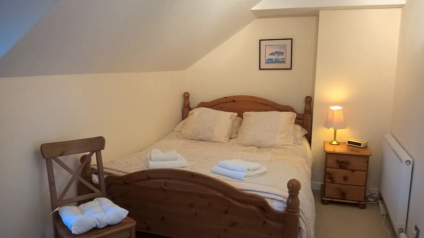 Fort William, Kingsize Bedroom with Kitchenette - Fort William - House