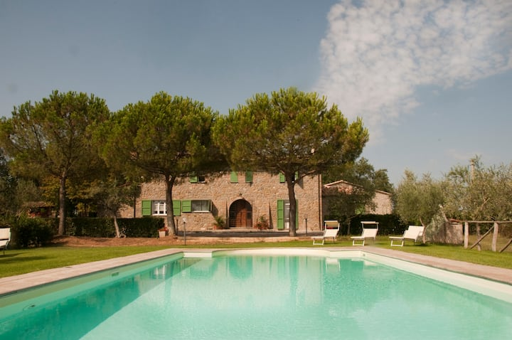 Cortona Oasis with Private Pool Sleeps up to 12