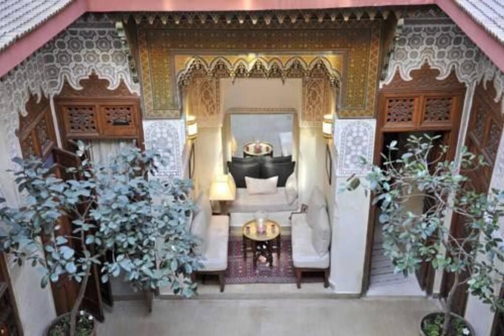 Des éléments architecturaux et de décoration typiquement marocains