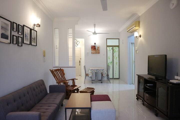 Simply Stylish Home l Wifi l Pool l Seaview 海景温馨名宿