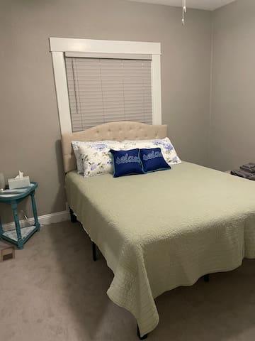 Bedroom 2 - Queen Memory Foam mattress