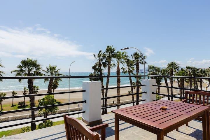 Loft con gran terraza en primera línea de playa