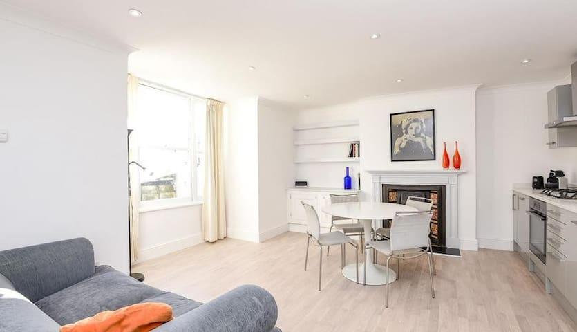 Beautifully designed 2 bedroom flat in Camden